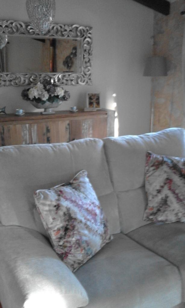 Autumn tones, velvet cushions