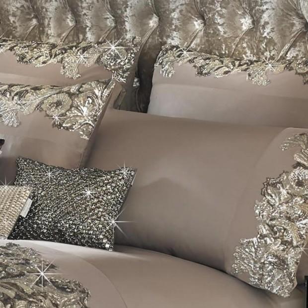 kylie-minogue-petra-pillowcases-750x750